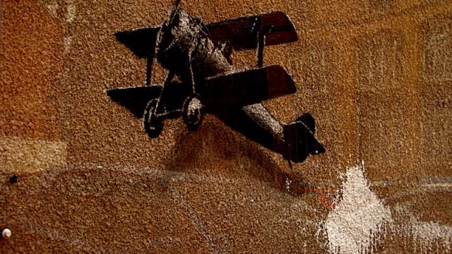 Banksy bi-plane